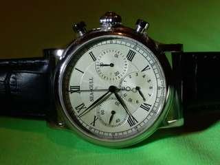 Seagull ~ 海鷗牌 手動上鍊計時腕錶 41mm,備有GMT功能, 原價$9750 現在特價發售, 附上原裝盒。 海鷗官網賣緊六千幾人民幣。