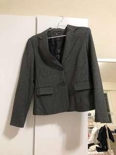 🚚 灰色西裝外套