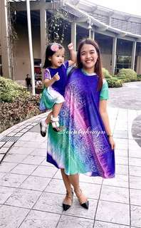 Multicolored mother and daighter dress