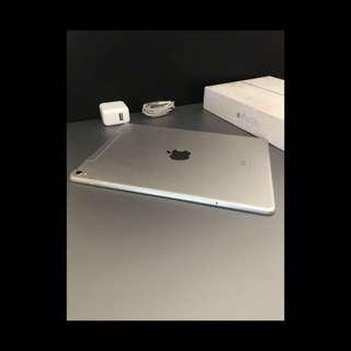 Ipad Pro 9, 7 inch silver 32cb wifi&cellular