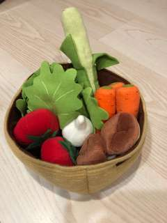 Felt vegetable basket