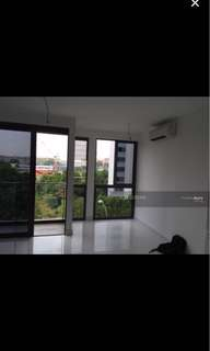 Master Room in Aljunied MRT (Smart Suites Condominium)