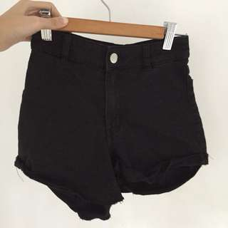 H&M EUR32 High Waisted Shorts #July70