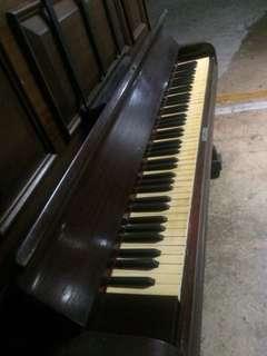 🚚 古董象牙鋼琴