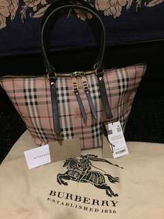 Authenthic like new! Burberry Salisbury Haymarket Tote Small