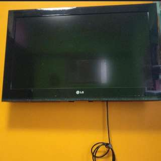 LG 32''電視