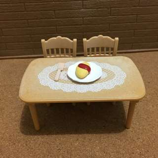 Sylvanian Families Table and chairs set