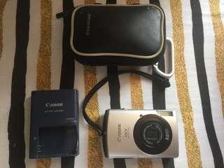 Canon IXY digital camera 8MP