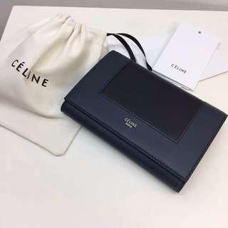 Celine Frame系列折疊錢包!