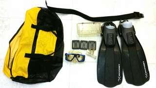 Diving Fins, Mask, 2lb weights, Belt and Bag