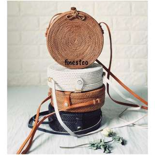 LOOKING FOR RESELLERS RATTAN BAGS