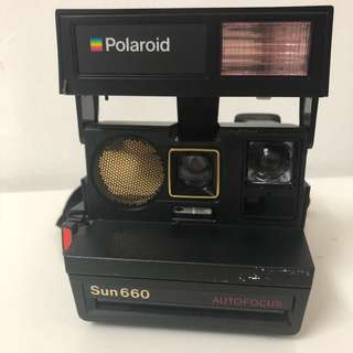 Vintage Polaroid Sun 660 (Usable) + 1 Package of film