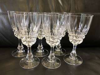 Brand new 6 vintage pieces of beautiful crystal wine glasses