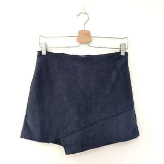 🚚 挺版麂皮不規則褲裙 灰藍L