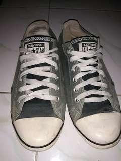 Sepatu converse 100% ori. Beli di sport station gading