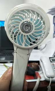 手風 handfan 手提風扇 噴霧風扇 輕 白色