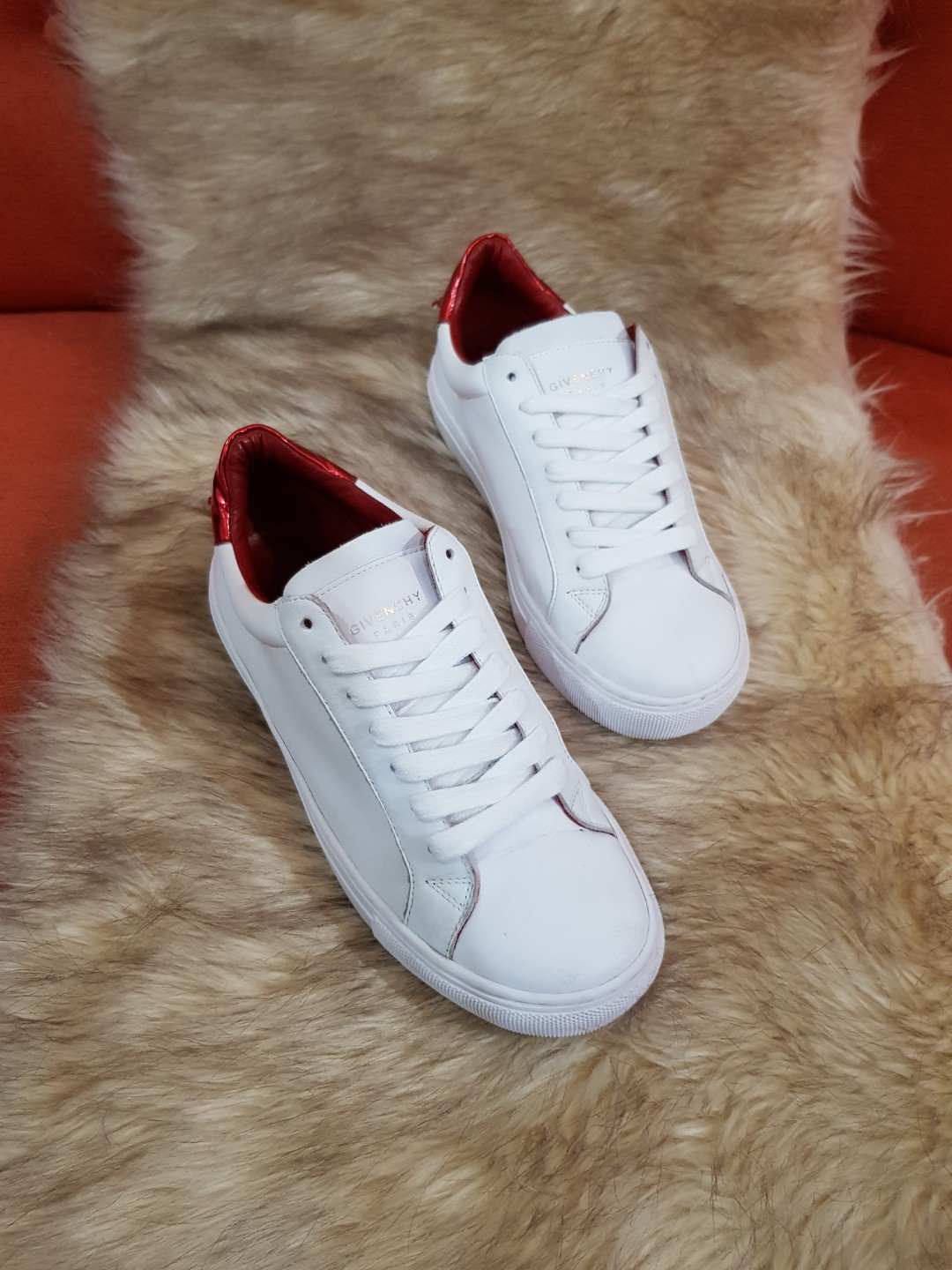 d5bd68b7507 Authentic Givenchy Urban Knots White Leather Ladies Sneakers Size 36 ...