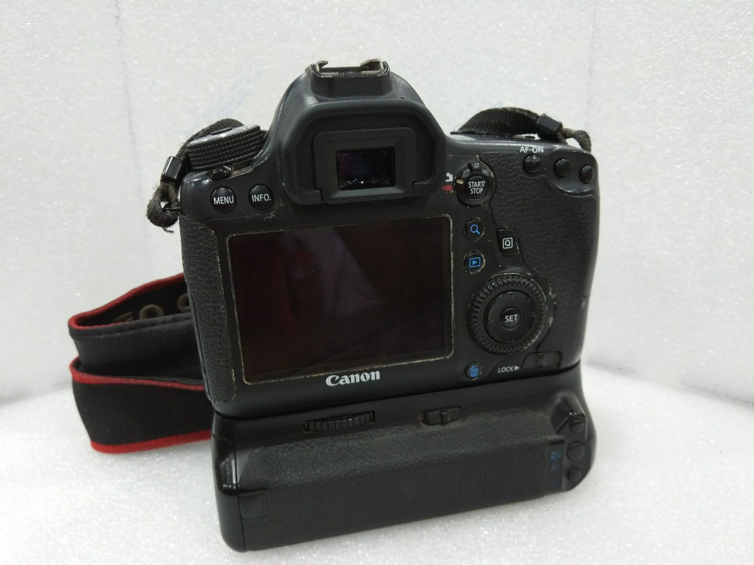 Canon 6d With Grip New Shutter Photography On Carousell Dicapac Wp S10 Waterproof Case For Slr Dslr Cameras