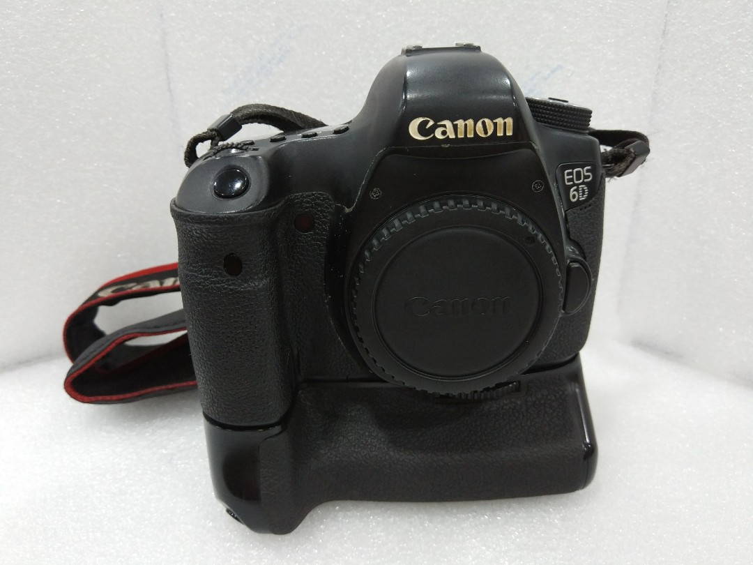 Canon 6d With Grip New Shutter Photography On Carousell Dicapac Wp S10 Waterproof Case For Slr Dslr Cameras Photo