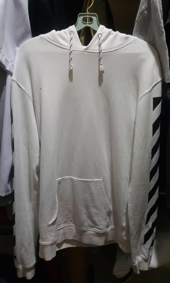 8f7cf22e0ba4 🔥CLEARANCE STEAL 100% Authentic Off-White Hoodie🔥