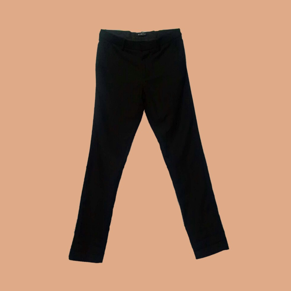 Forever 21 Black Trousers Men S Fashion Clothes On Carousell
