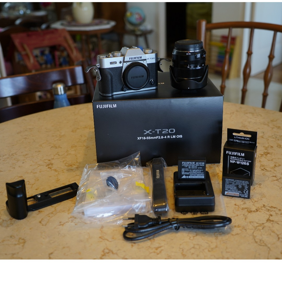 Fujifilm Xt20 Silver Xf18 55 Kit Photography Cameras Baterai Fuji Np W126 For X A3 E1 Pro 1 T2 T20 With Packing Mirrorless On Carousell