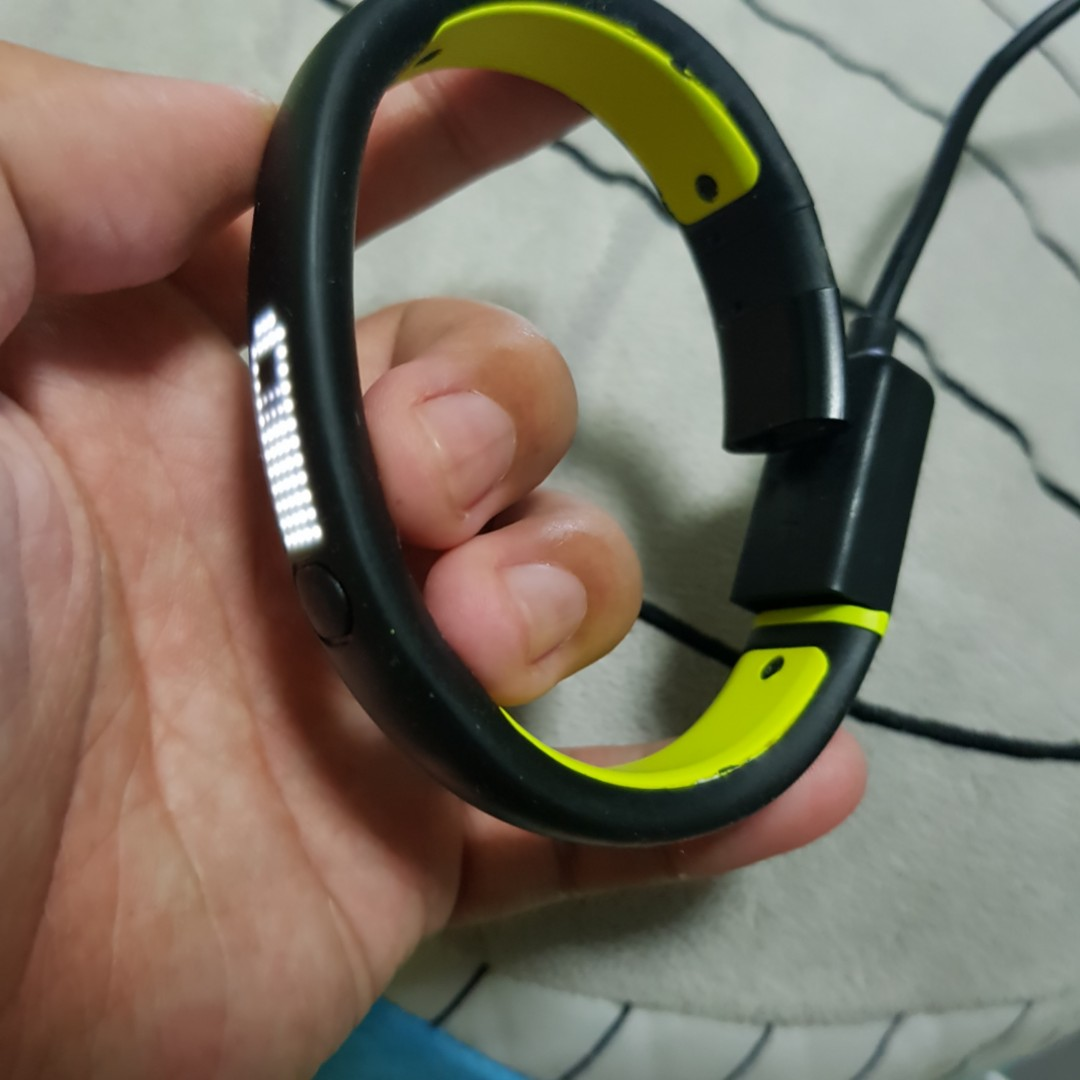 official photos 39ca5 28d09 Nike+ Fuelband 2 (SE) and Fuelband 1(Battery Issue) [LAST RUSH]