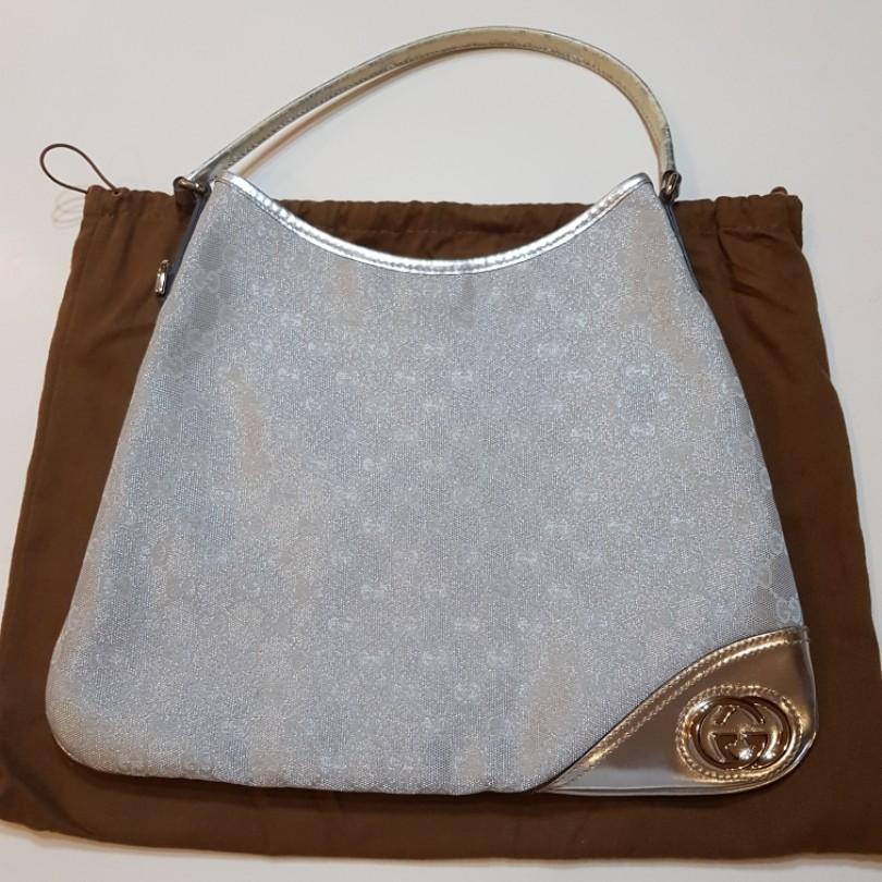 a9bb91f8eed4 Preloved Gucci GG canvas new britt hobo, Women's Fashion, Bags ...
