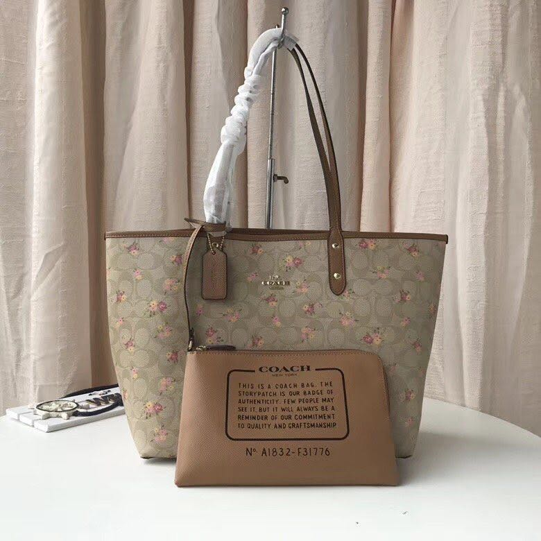 ... australia reversible city zip tote in signature canvas with daisy  bundle print coach f31776 luxury bags 0b8dede7b16b4