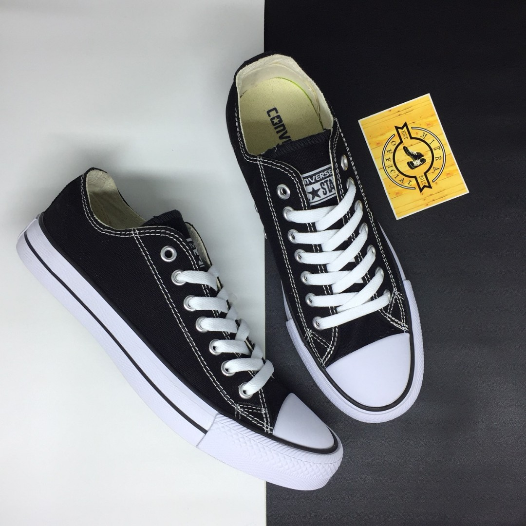 d8ceba49aba8 Sepatu Converse Chuck Taylor CT All Star OX Classic Black White BNIB ...