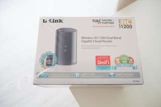 DLink AC1200 Wireless Router with Box