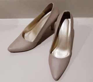 Classic Heels (nude)