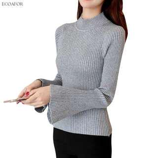 Grey sweater with flare sleeve