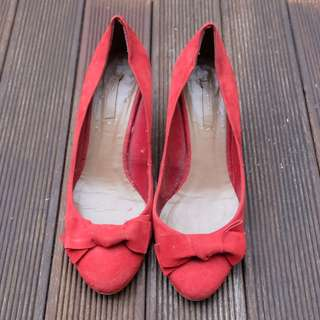 Zara Suede Pump Shoes in Red size 39