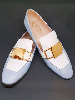 Tod's Loafer w/Gold Buckle