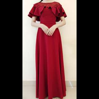ELEGANT DARK RED ROUND NECK STYLE GOWN