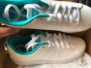 NEVER WORN* Adidas Neo Sneakers