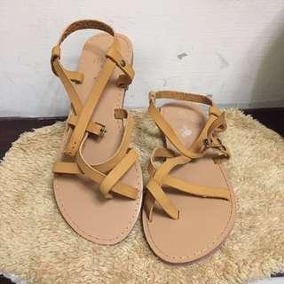 🚚 韓版軟皮涼鞋 #女裝半價拉