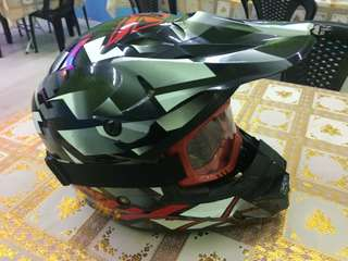 Helmet fly