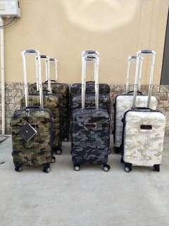 行李箱29吋黑色迷彩