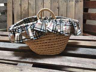 Beautiful basket bag with cloth liner