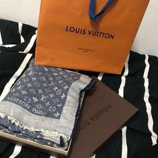 Louis Vuitton monogram scraft