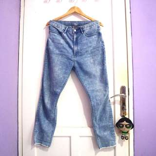 Uniqlo High Waisted Jeans #maudecay