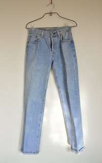 🚚 Levi's 501女版牛仔褲