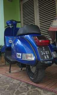 Vespa P150S Sierra Blue