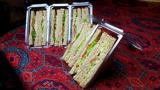 Triangle-Pack Sandwiches