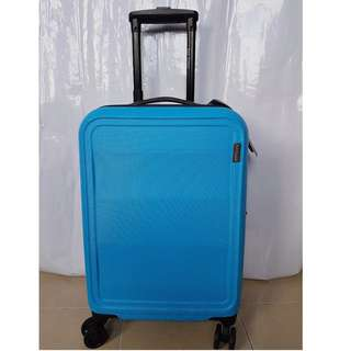 BNWT New Yorker Blue 4-wheel 20 Inch Trolley Cases with TSA Lock
