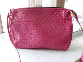 Bottega Veneta crossbody bag 斜揹 98% new 100% real