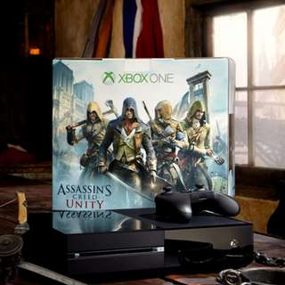 Xbox One 500GB Assasin Creed Edition 2 - Xbox One Controller1 - Controller RECHARGEABLE PORT 2xSlot2 - RECHARGABLE BATTERIES4 - Games    *AC4:BLACK FLAG      *GTA 5   *COD:ADVANCE WARFARE    *AC5:UNITY1