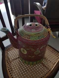 Rare Huge Wan Shou Wu Jiang Vintage teapot